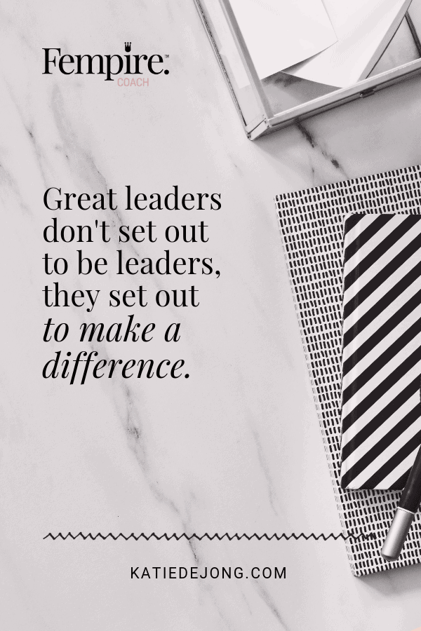 marble desktop with notebook - text overlay Great leaders don't set out to be leaders, they set out to make a difference.